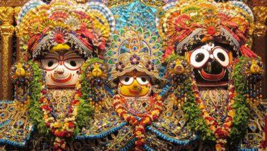 Photo of জগন্নাথ মন্দিরে প্রার্থনা ভক্তদের,বন্ধ নাগরিক পরিসেবা
