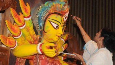 Photo of পুজোতে ২৫ হাজার দিয়ছে, তার মানে দিদির ছবি পুজো মন্ডবে লাগাতে হবে -দিলীপ ঘোষ