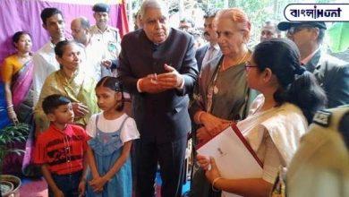 Photo of পুলোয়ামার শহীদ বাবলু সাতঁরার বাড়ি গেলেন রাজ্যপাল, দিলেন পাঁচ লক্ষ টাকা