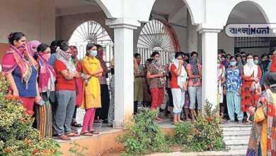 Photo of 'হোস্টেলে ভূত রয়েছে!' অভিযোগে অন্যত্র হোস্টের দাবী তুলল দুর্গাপুরের নার্সিং ছাত্রীরা