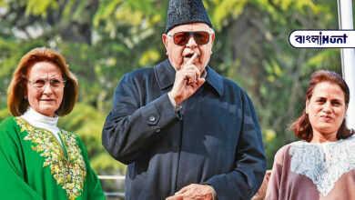 Photo of আমি আমার স্ত্রীকে চুমু খেতে ভই পাই! ভাইরাল হল ফারুক আবদুল্লার ভিডিও