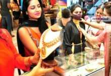 Photo of পরপর তিন দিন ভারী পতন স্বর্ণবাজারে, ৪৬ হাজারের ঘরে দাঁড়াল সোনার দাম