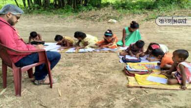 Photo of টানা লকডাউনে মাস্টারমশাই গ্রামের দুস্থ শিক্ষার্থীদের পাশে, উচ্ছ্বসিত গ্রামবাসী