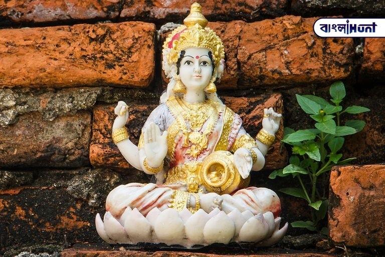 Lakshmi 58d0395e3df78c3c4f74399a Bangla Hunt Bengali News
