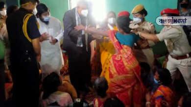 Photo of অসমের উদ্বাস্তু শিবিরে গেলেন রাজ্যপাল, কান্নায় ভেঙে পড়ল ঘরছাড়ারা