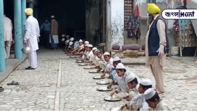 Photo of মাদ্রাসায় আটকে পড়া বাচ্চাদের পাশে দাঁড়াল গুরুদ্বার, খোলা হয়েছে লঙ্গরখানা