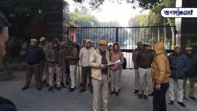Photo of ক্রাইম ব্রাঞ্চের টিম পৌঁছালে JNUতে, ঐশী ঘোষ সমেত ১৮ জনের বিরুদ্ধে দায়ের হল FIR