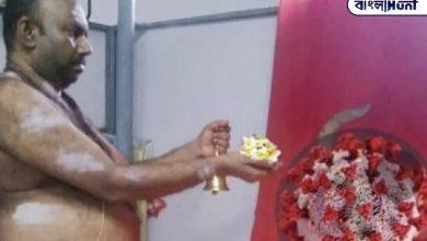 Photo of কেরালার এক ব্যক্তি নিত্যদিন করেন করোনা দেবীর উপাসনা , সোশ্যাল মিডিয়ায় হলেন ট্রোলের শিকার