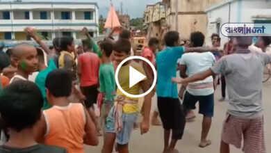 Photo of DJ-র তালে ঠাকুমাকে কাঁধে করে শ্মশানে নিয়ে গেল নাতি, চলল উদ্যাম নৃত্য! ভাইরাল ভিডিও