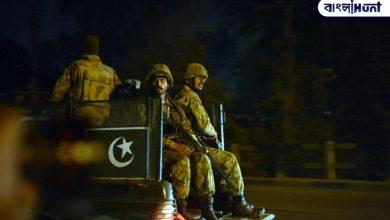 Photo of Breaking News: পাকিস্তানে সেনার গাড়িতে জঙ্গি হামলা, মৃত চার আধিকারিক সমেত পাঁচ