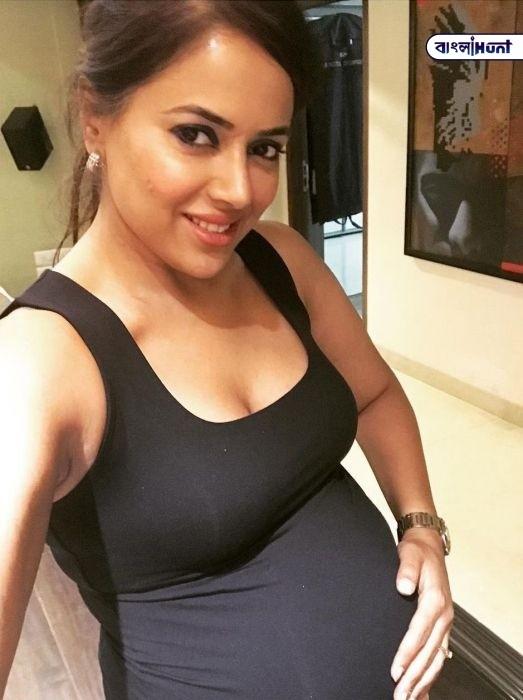 pic talk sameera reddy proud baby bump Bangla Hunt Bengali News
