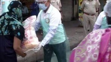 Photo of দিল্লীতে প্রতিদিন ১.৩ লক্ষ মানুষের মুখে আহার তুলে দিচ্ছে RSS