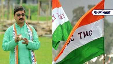 Photo of টিকা নেওয়ার কথা করোনা যোদ্ধাদের, নিচ্ছেন তৃণমূল বিধায়ক! শুরু হল নতুন বিতর্ক